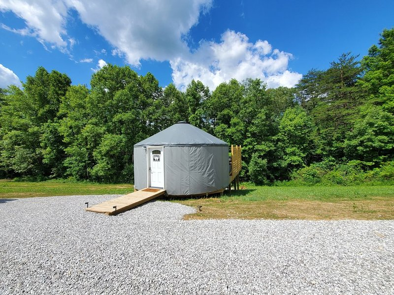 The Cardinal 20ft Yurt, holiday rental in Lancaster