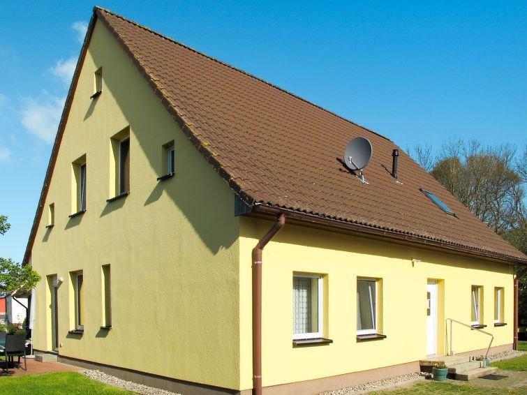 Apartment Ferienhaus Fröhlich  in Ummanz, Isle of Rügen - 5 persons, 2 bedrooms, holiday rental in Lieschow
