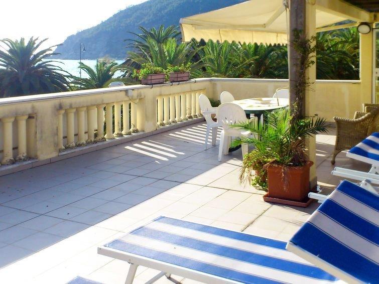 Apartment Casa Giulia  in Moneglia, Liguria: Riviera Levante - 8 persons, 2 bed, vacation rental in Moneglia