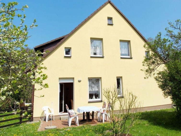 Ferienwohnung Am Strom (UMZ108) in Ummanz - 4 Personen, 2 Schlafzimmer, holiday rental in Lieschow