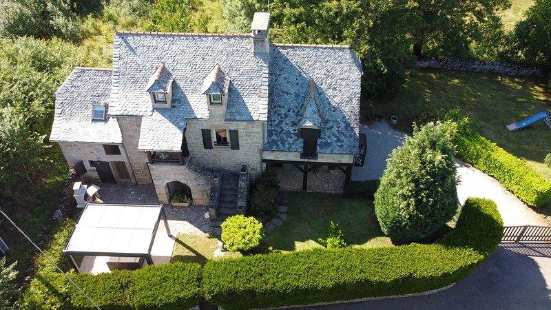 Très belle maison indépendante de caractère, entre Conques et Rodez., vacation rental in Nauviale