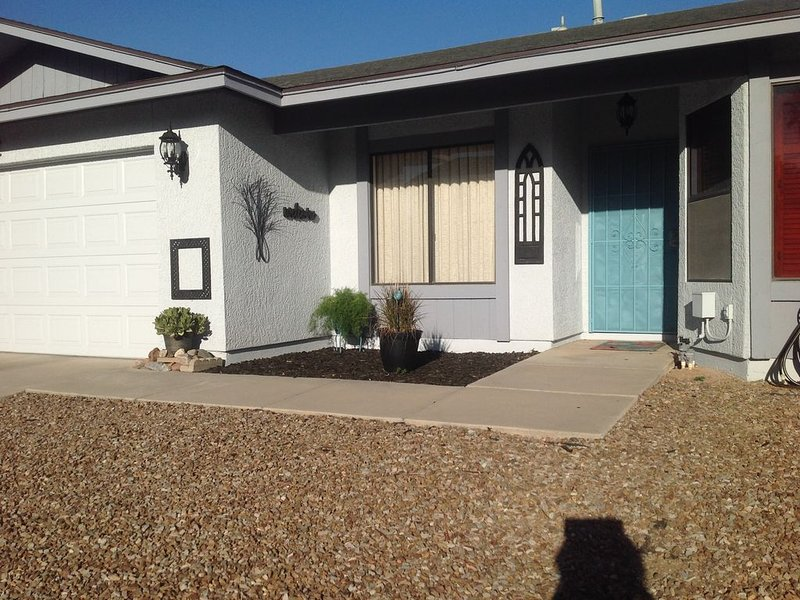 Arizona Winter Visitors! Great home away from home for a week or a month!, holiday rental in Marana