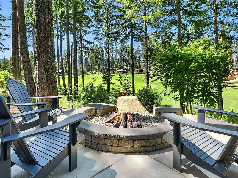 Walk to the Winery! Big Views of the Golf Course. Just added - low rates!!, location de vacances à Cle Elum