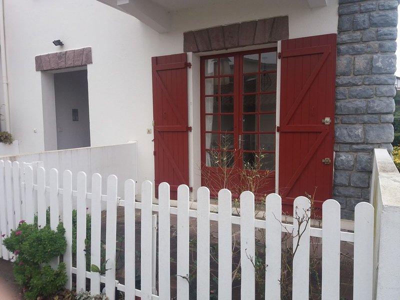appartement  à deux pas de la plage, holiday rental in Urrugne