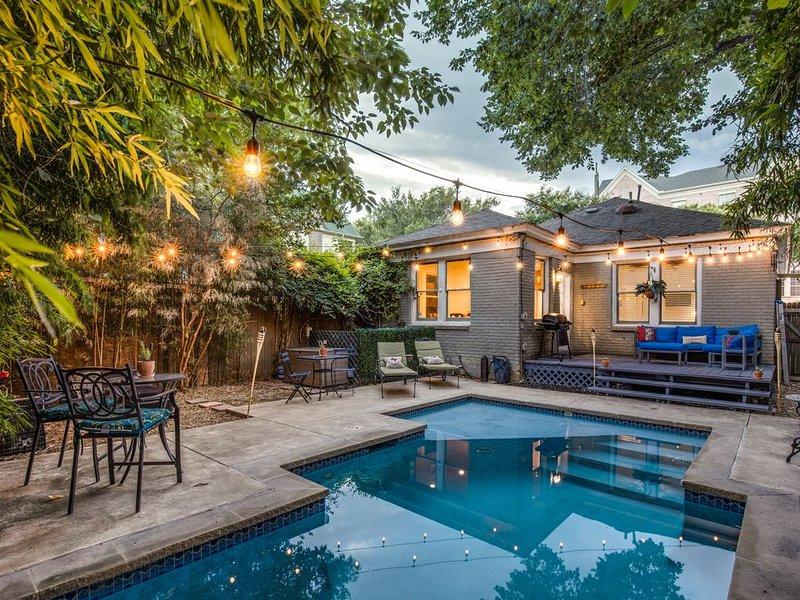 Bailey's Bungalow - Uptown Pool House, location de vacances à Dallas