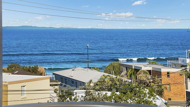 Unit 3 Emerald Shores - shipping lane views!, vacation rental in Kings Beach