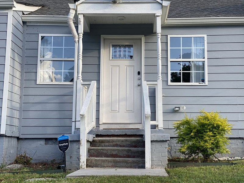 Convenient Atlanta Home, holiday rental in Fort McPherson