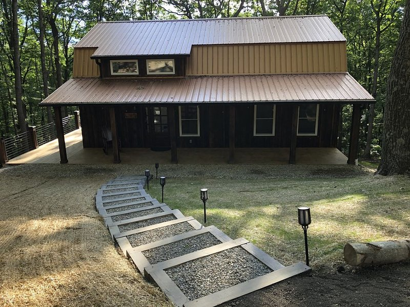 COPPERHEAD CABIN Est 2020, holiday rental in Lancaster