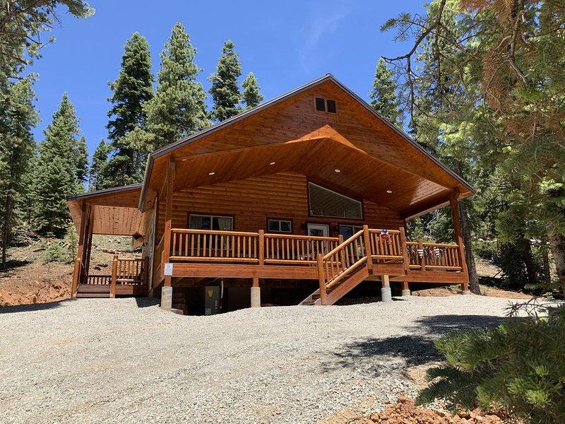 'LOVE SHACK' Cabin... A cozy, rustic, secluded getaway., casa vacanza a Duck Creek Village
