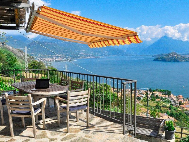 Rustico Bianca Naturstein-Ferienhaus, vacation rental in Pianello del Lario