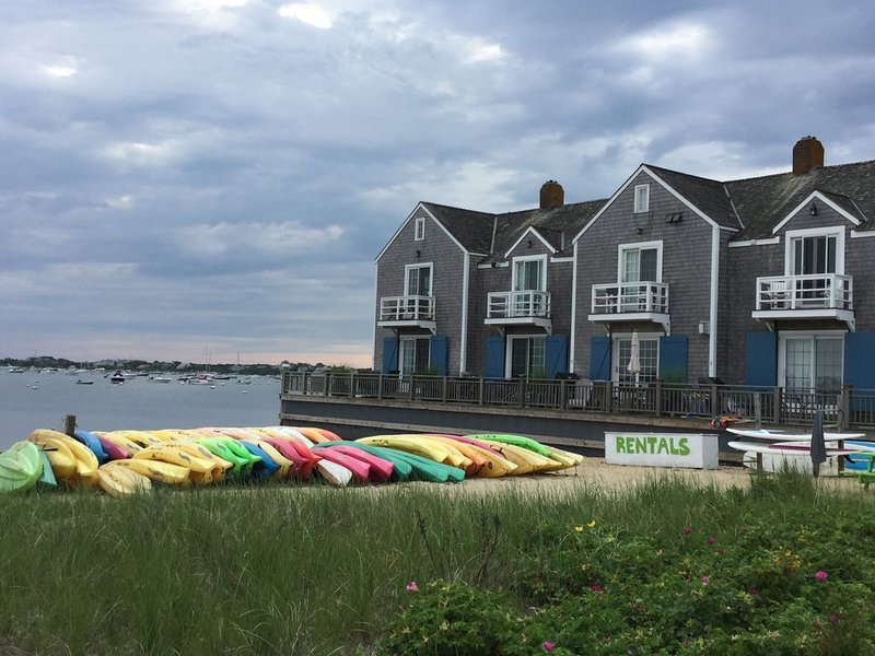 Waterfront Townhouse on Nantucket Harbor!, vacation rental in Siasconset