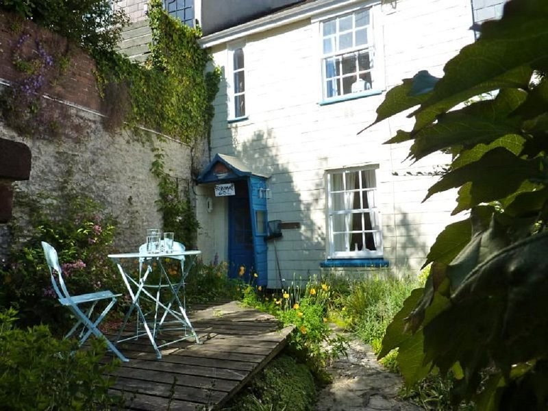 Cosy Fishermans cottage for 4 in the heart of Dartmouth with parking pass, holiday rental in Dartmouth