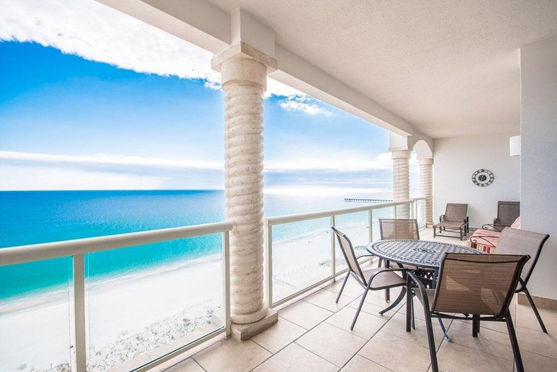 'Ruby Tide'- April 8-15 Open, Fill the Gap!, vacation rental in Pensacola Beach