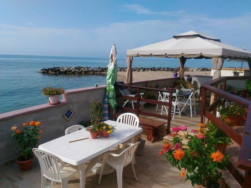 paradiso sul mediterraneo, vacation rental in Cartabubbo