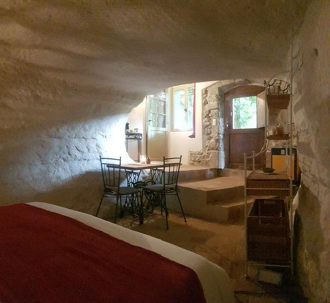 Séjour insolite en Provence, vacation rental in St Chamas