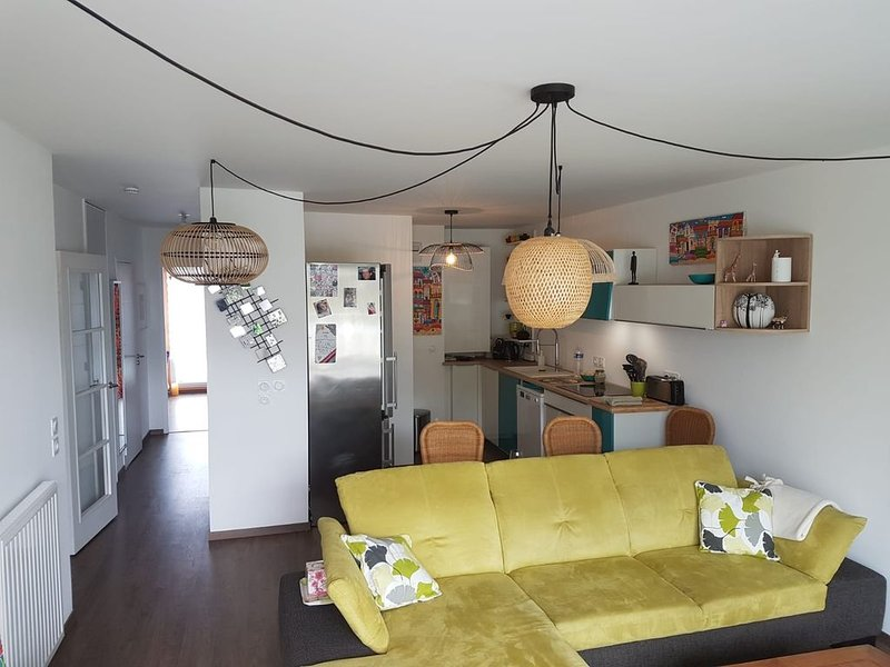 Appartement tranquille avec terrasse au centre de Vannes, aluguéis de temporada em Morbihan