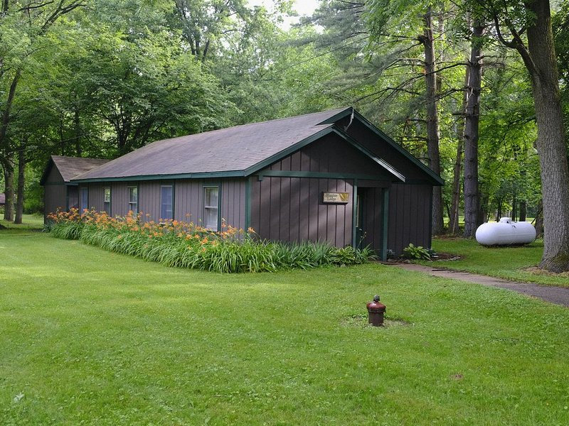 Peaceful Multi-family Lodge, holiday rental in Princeton