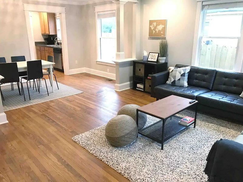 Spacious 3BR Mins to DWNTN ATL and ATL Airport, casa vacanza a Hapeville