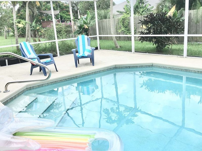 The Banana Tree Casa - Home with Salt water pool near Jensen Beach & Hutchinson, vacation rental in Jensen Beach