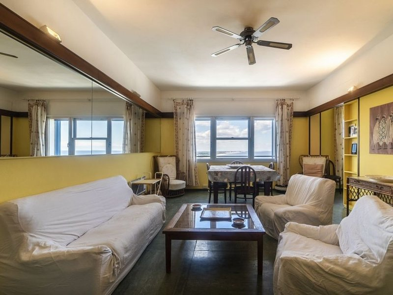 Appartamento nel grattacielo fronte mare, vacation rental in San Mauro a Mare