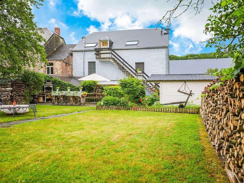 Lovely Cottage in Vierves-sur-Viroin with Garden and Terrace, vacation rental in Vireux-Wallerand