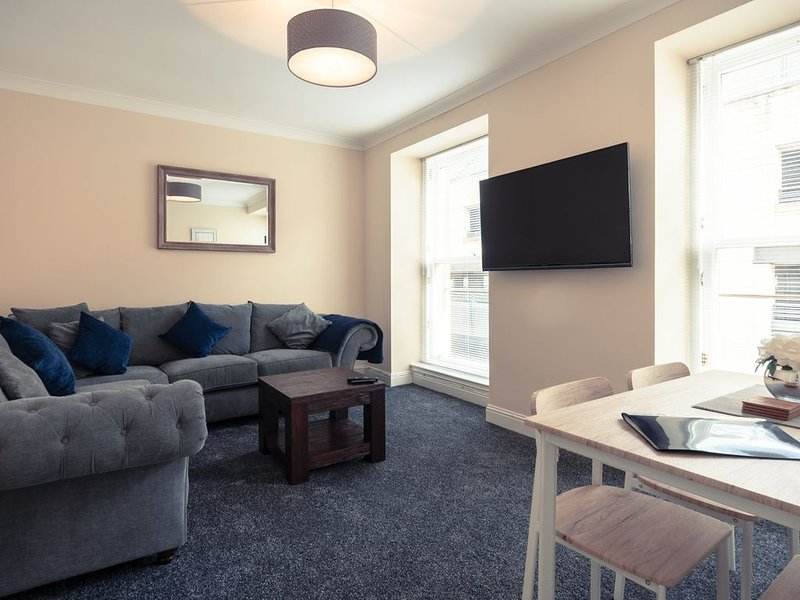 The Howff - Modern and relaxing property in the heart of Dundee City Centre., vacation rental in St Michaels