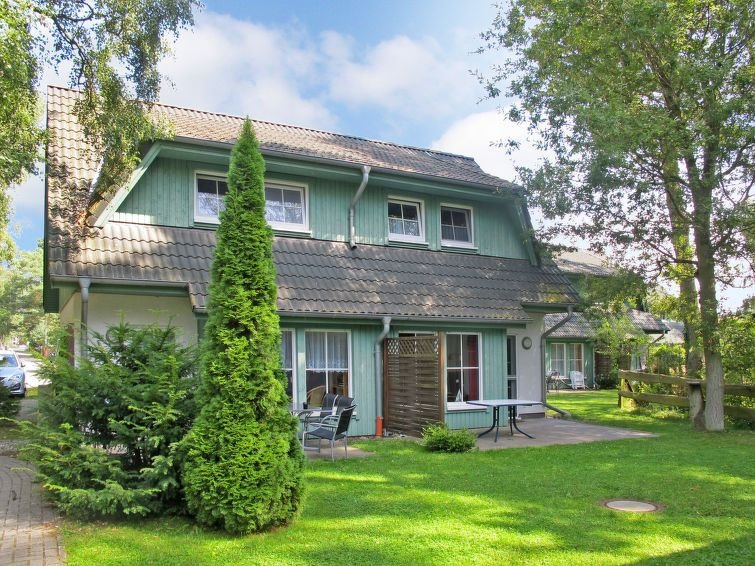 Vacation home Doppelhaushälfte  in Zinnowitz, Usedom - 4 persons, 2 bedrooms, alquiler vacacional en Bannemin