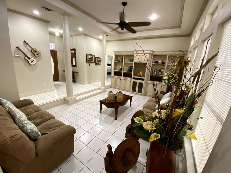 DHR Executive Home., location de vacances à McAllen