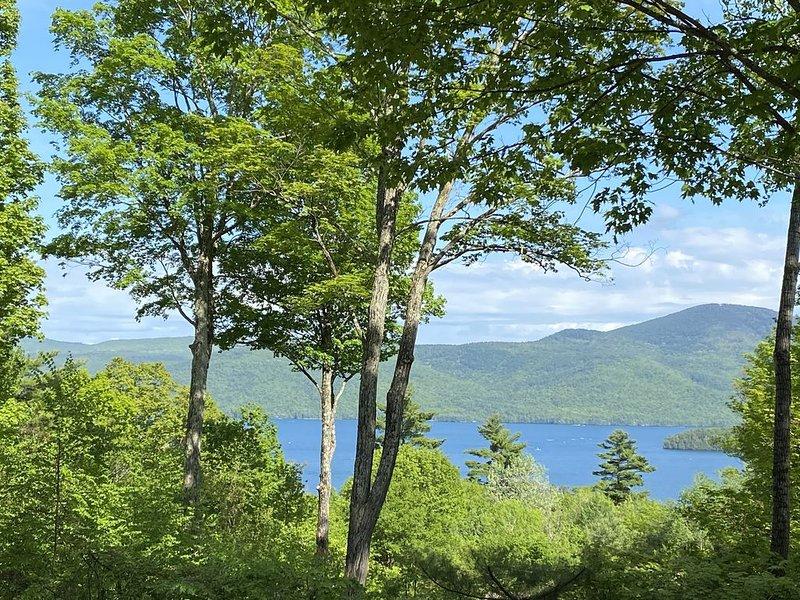 4 bedroom 2.5 bath Beautiful Lake View Retreat, location de vacances à Bolton Landing