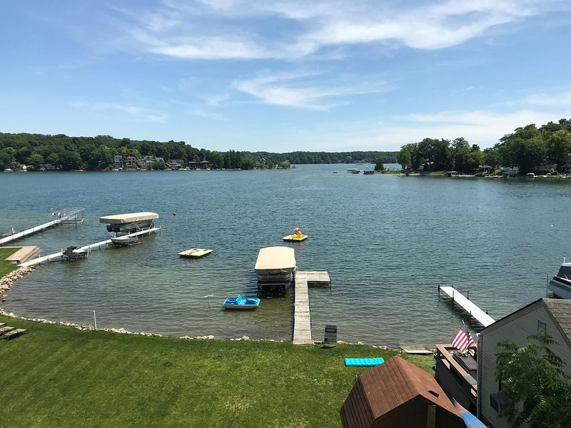 Beautiful Lake James Lake Homes on Second Basin, location de vacances à Waterloo