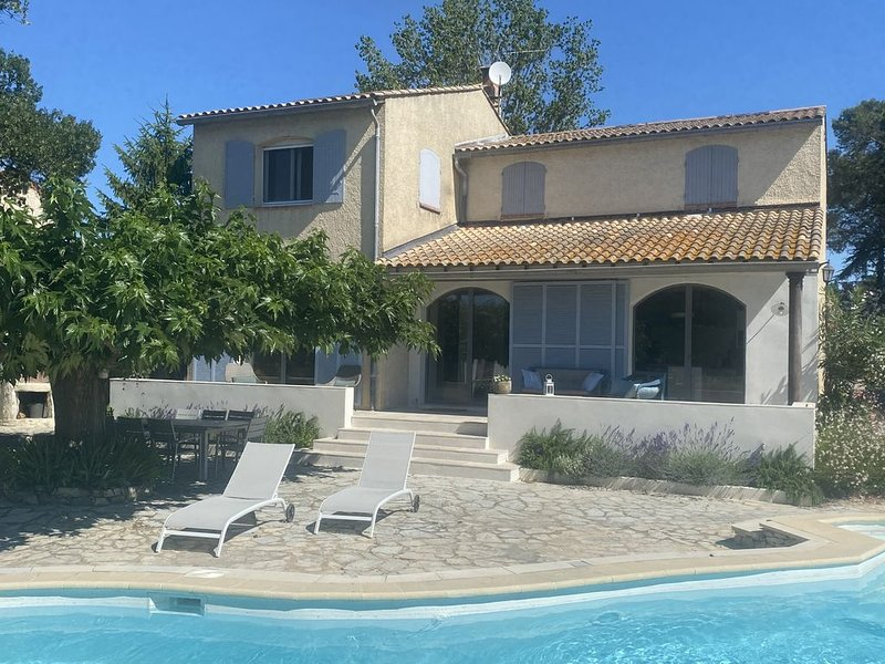 Holiday home en Provence - Modern & confortable 4bds with Private pool. – semesterbostad i Domazan
