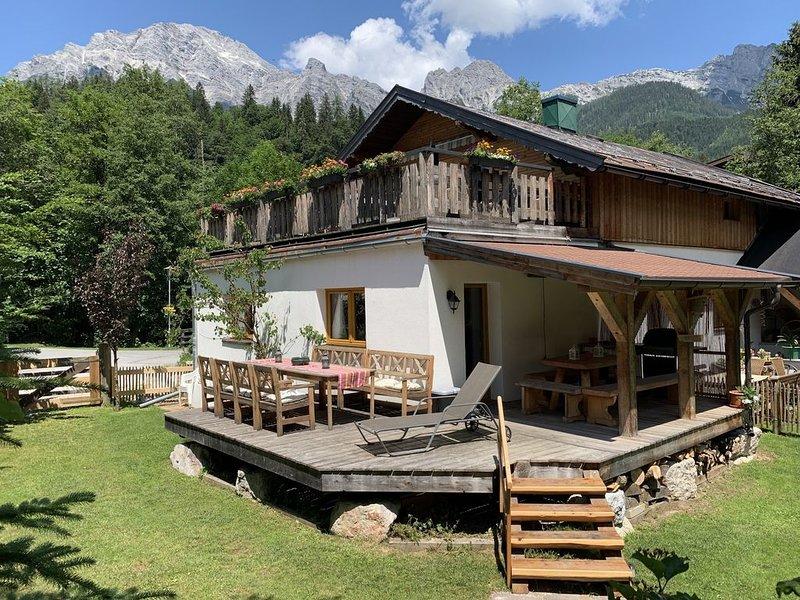 Ferienhaus in der Nähe der Skipisten, mit großen Privatgarten, casa vacanza a Saalfelden am Steinernen Meer