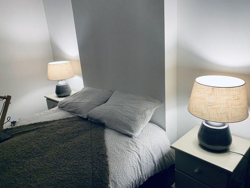 32 - Superbe et grand appartement a 5 mn du cœur de ville ♥️, location de vacances à Poitiers