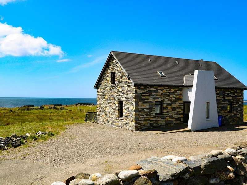 Ocean Sail House, DUNGLOE, COUNTY DONEGAL, Ferienwohnung in Narin-Portnoo