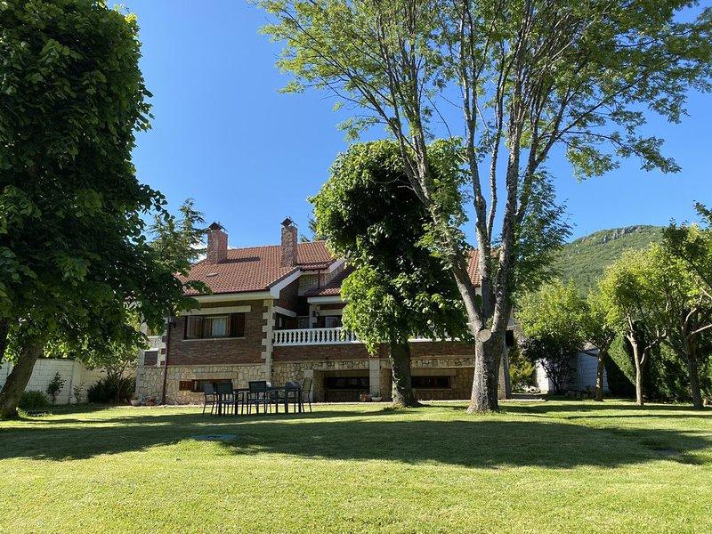 "Casa Rural ""Los Tilares"", vacation rental in Vegacerneja"