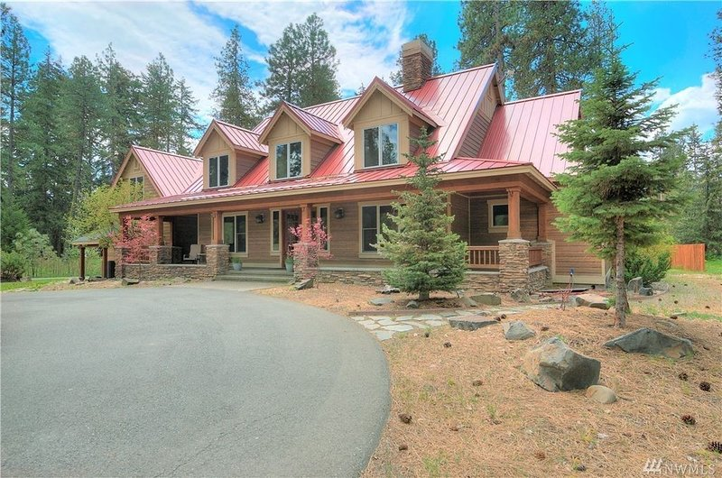 Gorgeous custom home w/ soaring ceilings near Cle Elum River, holiday rental in South Cle Elum