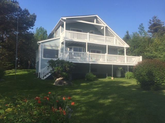 MOSER ISLAND VACATION RENTAL - WHERE THE OCEAN GREETS YOU INSIDE AND OUT, location de vacances à Upper Tantallon