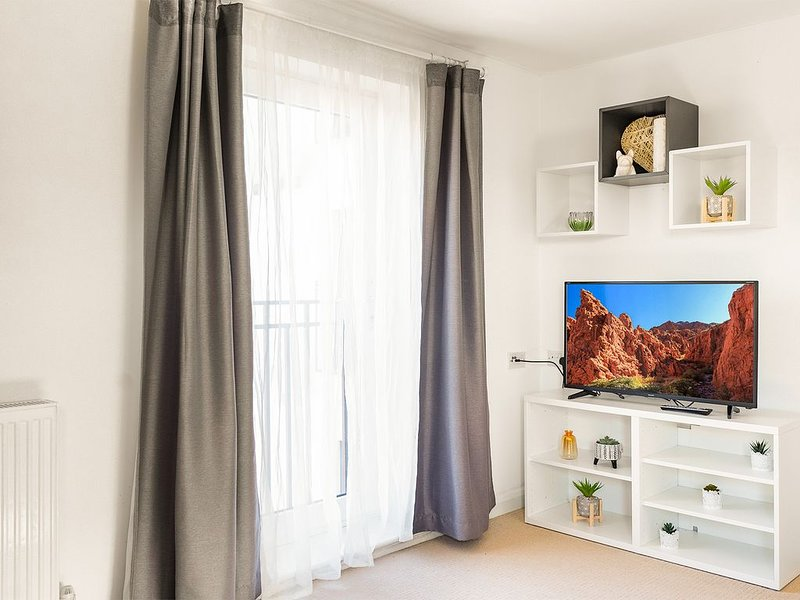 Leap Onyx Apartment - Northampton Town Centre, vacation rental in Great Billing
