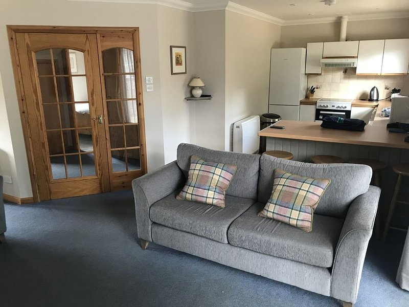 Delightful highland home in Ballater village, vakantiewoning in Ballater