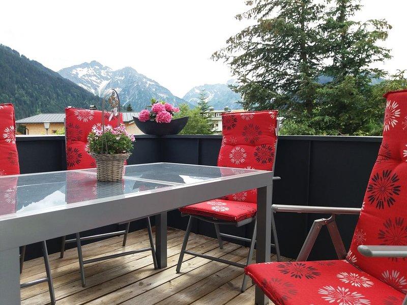 Alpenkoenigin Fewo mit Dachterrasse, aluguéis de temporada em Riezlern
