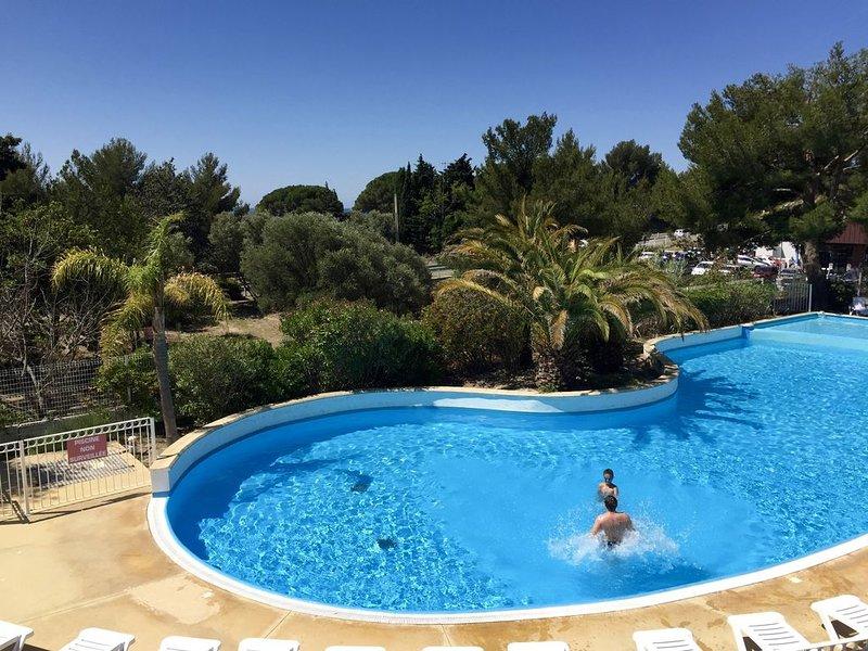 Appart mer et piscine victoria Garden 114, location de vacances à La Ciotat