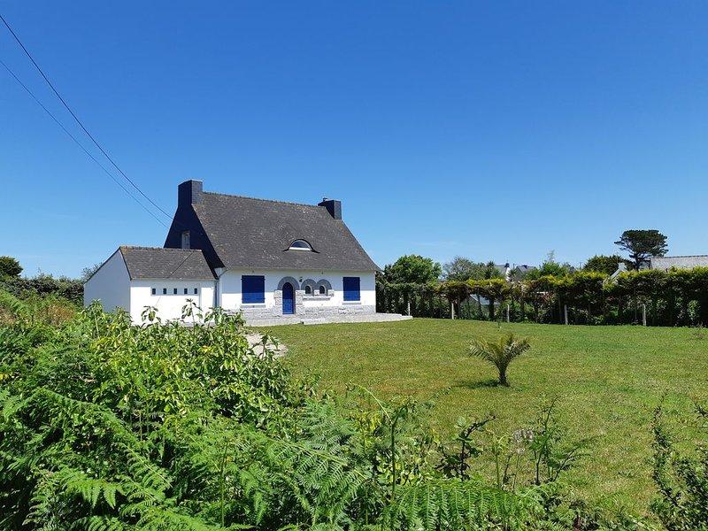 Maison bord de mer à pied, holiday rental in Plouguerneau