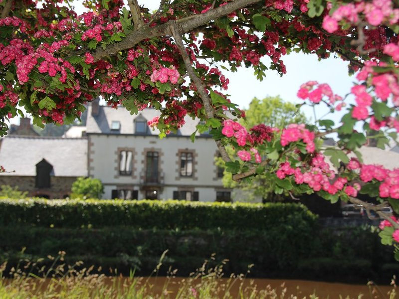 Au Fil de l'eau - Côte de granit Rose, aluguéis de temporada em Lannion