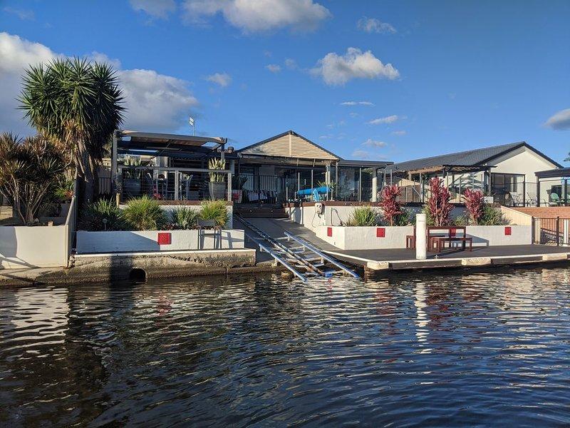 Grand Riviera Forster- Waterfront, Wharf & Pool, aluguéis de temporada em Forster