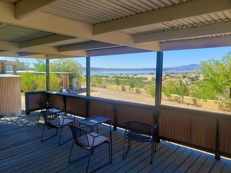 Beach rental at Lost Canyon Elephant Butte Lake, location de vacances à Sierra County