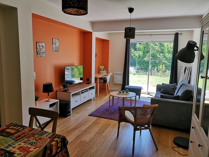 Grand T2 neuf 4* avec terrain proche des thermes, holiday rental in Le Mont-Dore