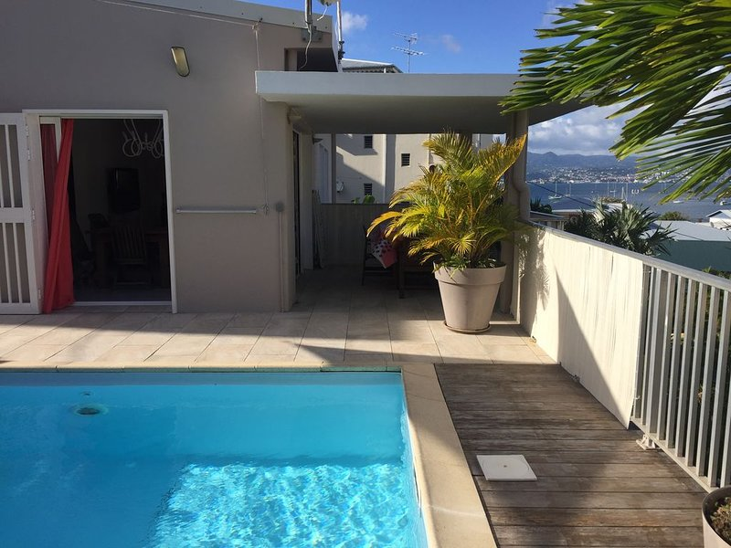 Appartement piscine  privée- 2 chambres vue mer et proche plage - Ô Villa, casa vacanza a La Pagerie