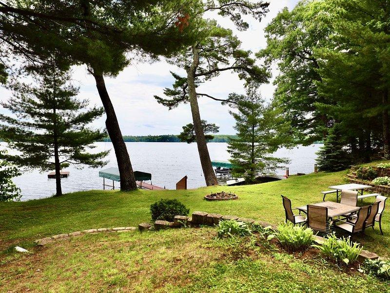 Little Arbor Vitae Lakefront Home Fishing & Sandy Shoreline, holiday rental in Arbor Vitae