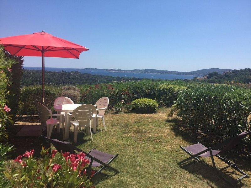 Rez de Jardin superbe vue mer .Dans domaine des Restanques du golf de St Tropez, holiday rental in Grimaud