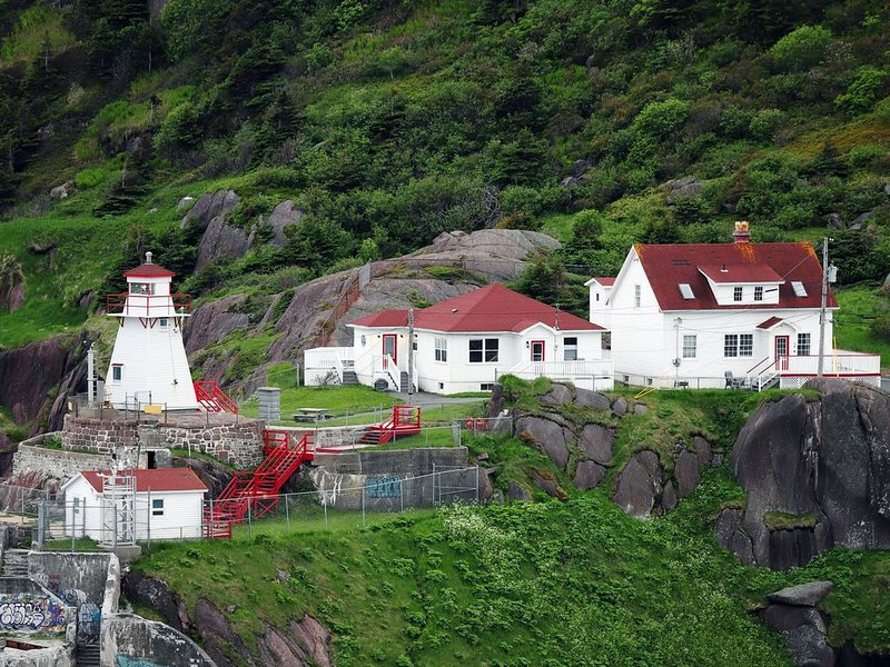 Head Light Keeper's Residence at the mouth of St. John's Harbour!, alquiler vacacional en Petty Harbour